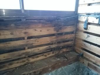 窓下の木部の腐食