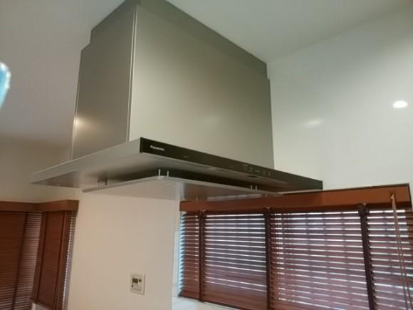 キッチン横木製ブラインド