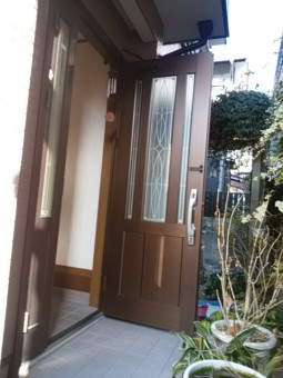 交換前の玄関ドア②