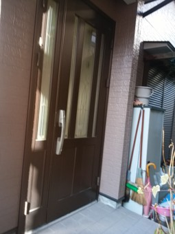 リフォーム前の玄関ドア