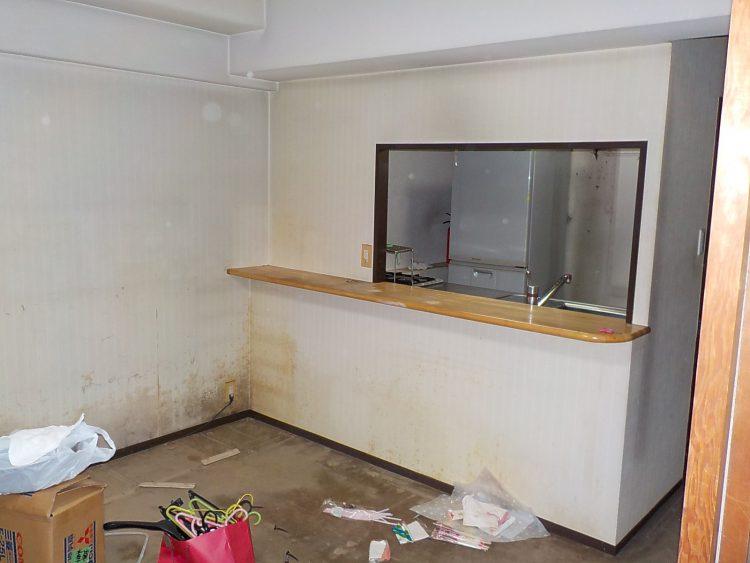 リフォーム前のキッチンカウンター